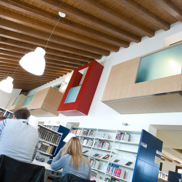 biblioteca civica thiene - city corner