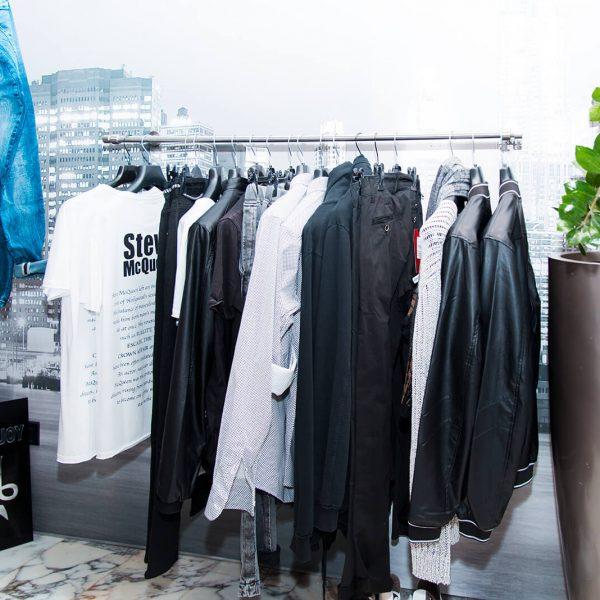 bianco negozio di abbigliamento uomo donna