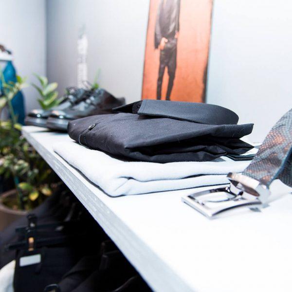 bianco negozio di abbigliamento uomo donna - city corner